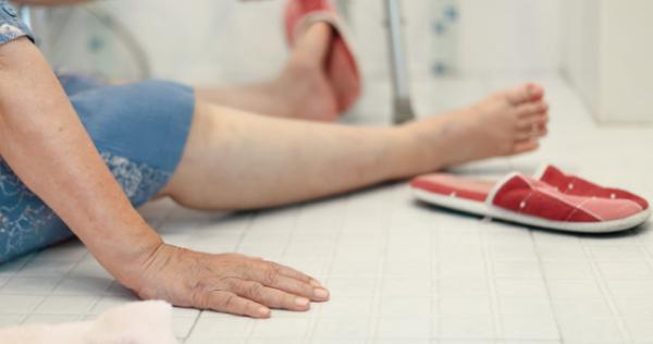elderly hearing loss fall down